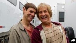 """""""Dumb and Dumber"""" con Jim Carrey y Jeff Daniels fue la ganadora de la taquilla del fin de semana."""