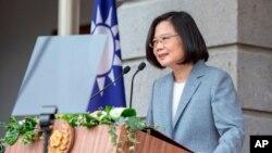 Presiden Taiwan Tsai Ing-wen, menyampaikan pidato setelah upacara pelantikannya di Taipei, Taiwan pada hari Rabu, 20 Mei 2020. (Foto: Kantor Kepresidenan Taiwan via Reuters)