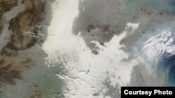 中国雾霾长城,太空也可看见(NASA)