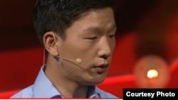 탈북 고아에서 미국의 대학생이 되기까지의 사연을 '테드(TED)' 강연에서 전하는 탈북 청년 조셉 김 씨. (자료사진)