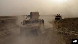 یک نیروی هزار نفری شامل پلیس، جنگجویان قبیله ای سنی، مرزبانان و افراد گروه ضدتروریستی عراق وارد رطبه شدند.
