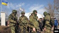 Російські солдати в Криму