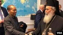 李柏光今年2月7號在美議員辦公室會見來自耶路撒冷的東正教大主教。