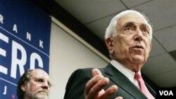 Senator Frank R. Lautenberg, adalah anggota senior Senat AS dari New Jersey.
