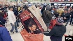 Tiendas comerciales están ofreciendo mejores ofertas y descuentos el mismo Día de Acción de Gracias.