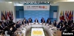 美国总统奥巴马在加州举行的东盟十国峰会上讲话(2016年2月15日)