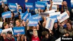 Pristalice Bernija Sandersa slave u Manchesteru u New Hampshireu