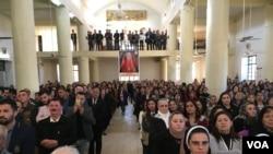 ایران در چند سال اخیر نوکیشان مسیحی را به بهانه تغییر دین بازداشت می کند.