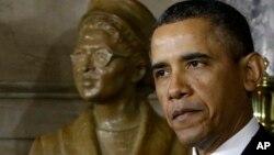 Президент Барак Обама открыл памятник Розе Паркс