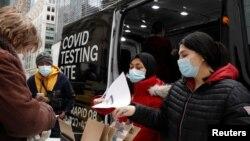 美國紐約市新冠病毒檢測流動車提供病毒檢測服務