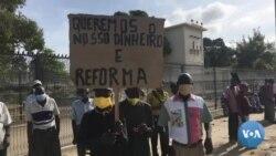 Ex-trabalhadores de fábrica têxtil em vigília para exigir salários e reformas