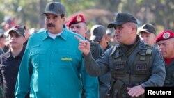 Ông Maduro trong một cuộc diễn tập quân sự hôm 27/1.