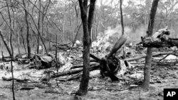 ARCHIVES-Les restes de l'avion à bord duquel était Dag Hammarskjold