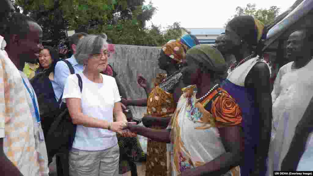 Kang meets with women in Pibor County, where tens of thousands of people have been displaced by violence.