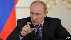 Vladimir Putinin prezidentliyə qayıdışı siyasi azadlıqlara basqılarla müşayiət olunur