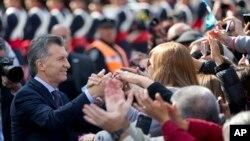 """El Gobierno argentino dice que la ley de blanqueo busca """"honrar"""" la deuda con sus abuelos."""