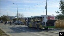 Bus di kota kota Volgograd, Rusia yang meledak akibat bom bunuh diri, Senin (21/10).