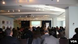 乔治华盛顿大学艾略特国际事务学院举办中国与南亚发展研讨会(美国之音钟辰芳拍摄)