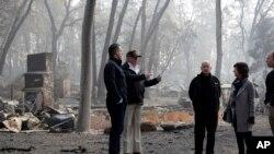Predsednik SAD Donald Tramp tokom obilaska područja pogođenog požarima