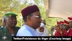 Le président nigérien Mahamadou Issoufou à Niamey, Niger, 4 janvier 2018. (Twitter/Présidence du Niger)