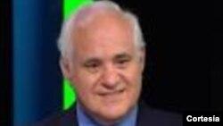 El Dr. José Antonio Cisneros dialoga sobre la epidemia de la influenza