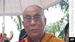 达赖喇嘛访台首日为小林村亡灵超度
