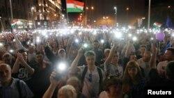 Aksi unjuk rasa untuk memrotes kebijakan pemerintahan PM Viktor Orban di Budapest, Hungaria (foto: dok_.