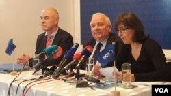 Joseph Daul, predsjednik Evropske narodne stranke (u sredini)