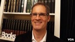 Профессор Университета Британской Колумбии, Канада, Брайс Трейстер