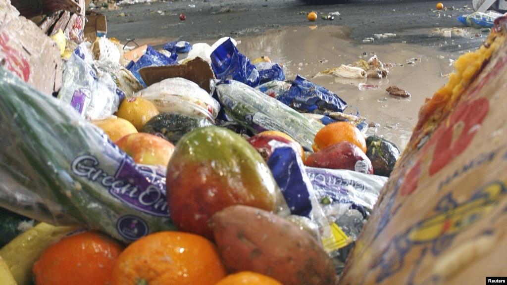 Warga Amerika Membuang 50% Makanannya