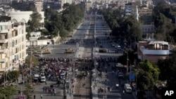 صدارتی محل کی طرف جانے والے راستوں کی ٹینکوں سے نگرانی