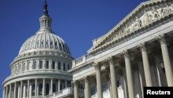Los debates sobre cómo recortar los gastos y reducir el déficit están estancados en el Capitolio.