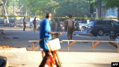 Soupcons De Complicite Dans L Armee Apres Les Attaques De Ouagadougou
