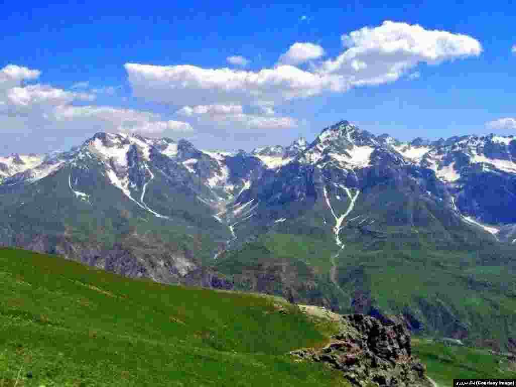 وداع زمستان و ظهور همزمان بهار در کوهستانات شمال شرق افغانستان