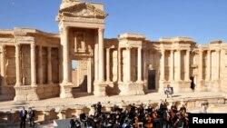 Mariinskiy teatri Palmirada konsert bermoqda