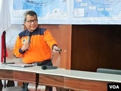 Pelaksana harian Kepala Pusat Data, Informasi, dan Hubungan Masyarakat, Badan Nasional Penanggulangan Bencana (BNPB) Agus Wibowo dalam jumpa pers di kantornya, Sabtu, 3 Agustus 2019. (Foto: Fathiyah Wardah/VOA)