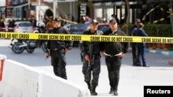 Double attentat suicide devant l'ambassade des États-Unis à Tunis