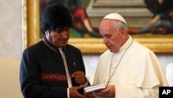 El presidente boliviano Evo Morales se reunió con el papa Francisco en Roma en octubre.