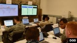 美国陆军2017年10月2日的一个网络防卫中心(美国陆军)
