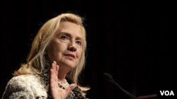Menteri Luar Negeri Amerika Hillary Clinton melawat ke Oman setelah mengunjungi Libya (foto:dok).