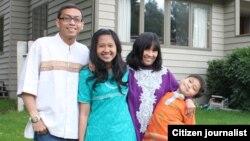 Maya Rahayu dan Keluarga
