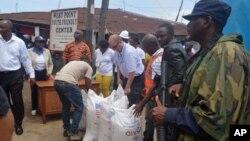 Cư dân phẩm tặng của Hoa Kỳ tại khu vực West Point đã bị ảnh hưởng nặng nề bởi virus Ebola tại Monrovia, Liberia, 26 tháng 8 năm 2014.