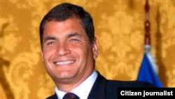 El presidente Lenín Moreno dispuso desde agosto un examen especial acerca de la deuda interna y externa de los últimos cinco años del gobierno de su antecesor Rafael Correa (en la foto, en una imagen de archivo).