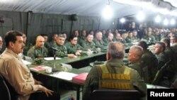 ვენესუელის პრეზიდენტი ნიკოლას მადურო სამხედრო ლიდერებთან შეხვედრაზე. 3 ივნისი, 2019 წ.
