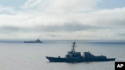 """美國海軍導彈驅逐艦""""威廉勞倫斯號""""(資料圖片)"""