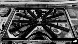 Penjara Holmesburg di Philadelphia, Pennsylvania, di potret dari udara tahun 1970 (Foto: dok).