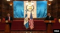 El Subsecretario de Estado de Estados Unidos para asuntos del Hemisferio Occidental, Michael Kozak, visitó Guatemala la semana pasada, donde se reunió con el presidente Alejandro Giammattei y con miembros de la sociedad civil.