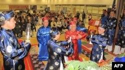 Lễ Giỗ Tổ Hùng Vương năm 2011 tại trường phổ thông cơ sở Holmes ở thành phố Alexandria, Virginia, 9/4/2011
