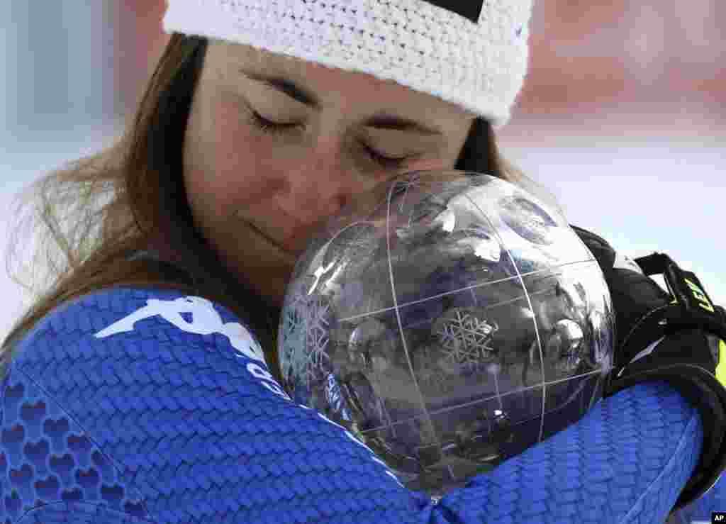 İsveç'te düzenlenen Alp Disiplini Dünya Şampiyonasında kupa kazanan İtalyan Sofia Goggia