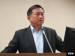 台灣執政黨民進黨立委王定宇( 美國之音張永泰拍攝)